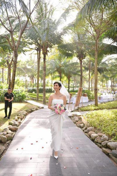Toàn cảnh khu vườn cổ tích đẹp như mơ trong đám cưới Xuân Lan tại Đà Nẵng  - ảnh 1