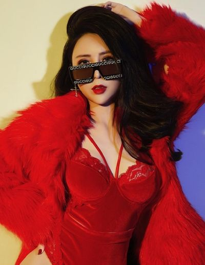 """Tái xuất sau thời gian dài lặng tiếng, Thủy Đặng The Voice bất ngờ tung bộ ảnh """"nóng rực"""" chào Valentine  - ảnh 1"""