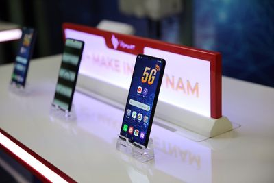 Smartphone 5G Việt Nam đầu tiên và công nghệ dẫn dắt đến tương lai - ảnh 1