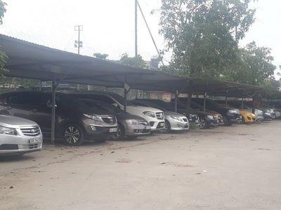Hà Nội: Hàng loạt nhà tạm, bãi trông giữ xe trái phép tại quận Hoàng Mai ngang nhiên hoạt động công khai - ảnh 1