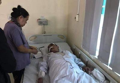 Vụ cụ ông 80 tuổi bị tài xế xe ôm đánh nhập viện: Chuyển hồ sơ lên Công an quận Ba Đình - ảnh 1