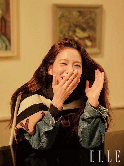 """Nhan sắc """"không phải dạng vừa đâu"""" của """"nữ thần"""" nhà YG trong bộ ảnh tạp chí mới - ảnh 1"""