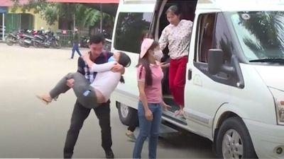 Vĩnh Phúc: Hơn 100 công nhân nhập viện cấp cứu nghi hít phải khí độc - ảnh 1