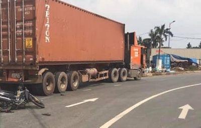 TP.HCM: Xót xa bé gái 2 tuổi bị xe container cán tử vong trên đường đi khám bệnh về - ảnh 1