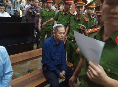 Xét xử cựu Phó Chủ tịch UBND TP.HCM Nguyễn Hữu Tín: Hồ sơ có tài liệu mật, tối mật - ảnh 1