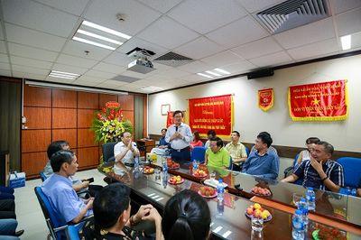 Chủ tịch Hội Luật gia Việt Nam chúc mừng báo ĐS&PL nhân ngày Báo chí cách mạng Việt Nam - ảnh 1