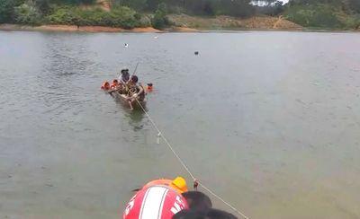 Lâm Đồng: Chèo thuyền đi câu cá ở đập thủy điện, 3 thanh niên đuối nước thương tâm - ảnh 1