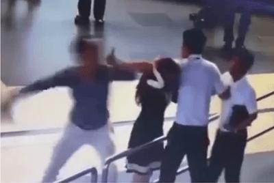"""Những lý do """"trời ơi đất hỡi"""" khiến hành khách hành hung nhân viên sân bay - ảnh 1"""