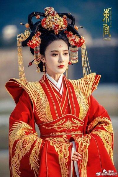 Nhan sắc dàn tiểu hoa đán Trung Quốc hóa tân nương cổ trang: Người đẹp tựa thiên tiên, người thảm họa gây cười - ảnh 1