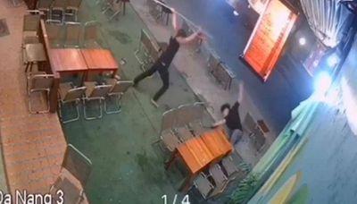 Đà Nẵng: Triệu tập nhóm thiếu niên cầm mã tấu chém đối thủ trọng thương - ảnh 1