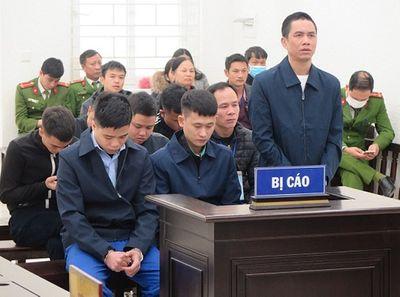 Hà Nội: Xét xử nhóm đối tượng chém 2 người thương vong khi đi đòi nợ hộ - ảnh 1
