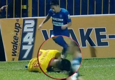 Tiền vệ Than Quảng Ninh nhận án phạt nặng vì giẫm lên đầu đối thủ - ảnh 1