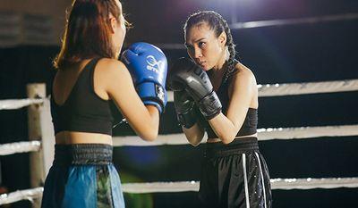 Không còn là chị trợ lý, Mỹ Tâm bất ngờ hóa thân thành nữ võ sĩ boxing mạnh mẽ - ảnh 1