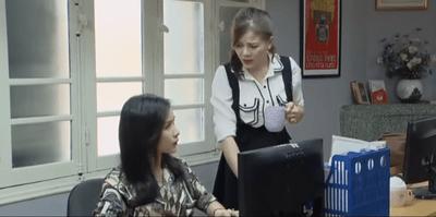 Những nhân viên gương mẫu tập 30: Liên cô đơn trước thời khắc sinh tử - ảnh 1