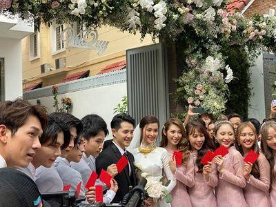 Tin tức giải trí mới nhất ngày 8/11: Đông Nhi và Ông Cao Thắng chính thức về một nhà - ảnh 1