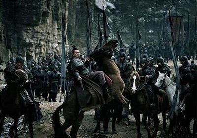 Tam Quốc: 4 lý do khiến Lưu Bị không chạy về kinh đô sau khi đại bại tại Di Lăng - ảnh 1