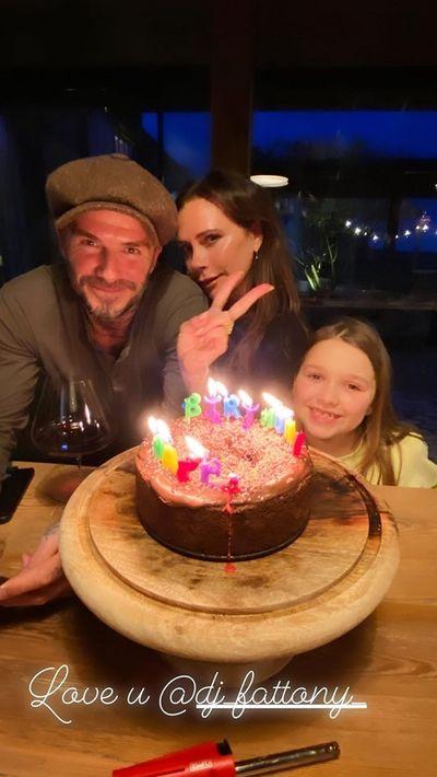 Tin tức giải trí mới nhất ngày 20/04: Victoria Beckham đón sinh nhật tuổi 46 ấm áp - ảnh 1