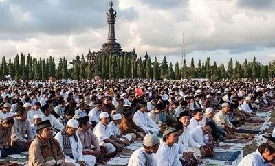 Số Ca Nhiễm Covid 19 Tại Indonesia Vượt 7 000 Chinh Phủ Cấm Người Dan Về Que Trong Ngay Eid Al Fitr