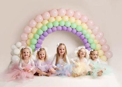 Lịm tim trước vẻ xinh xắn, đáng yêu của 4 bé gái trong ca sinh tư nổi tiếng thế giới  - ảnh 1