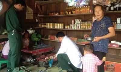 Thắt chặt tình quân dân hai nước Việt - Lào anh em
