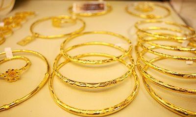 """Giá vàng hôm nay (2/3): Hết """"sốt"""" Thần Tài, giá vàng giảm mạnh"""