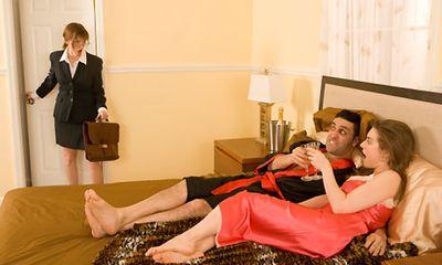 7 câu nói cửa miệng đàn ông thường đưa ra khi ngoại tình