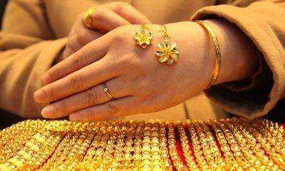 Giá vàng hôm nay (11/3): Vàng trong nước đi ngang, thế giới lao dốc