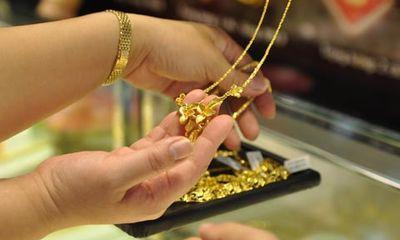 """Giá vàng hôm nay (12/3): Vàng""""lao dốc"""" giảm mạnh"""