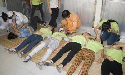 Sau bữa ăn trưa, hơn 160 công nhân bị ngộ độc