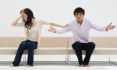 """""""Chồng chị đang cặp bồ với vợ của tôi"""