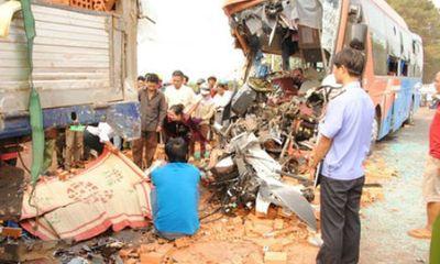 Tai nạn thảm khốc ở Đắk Lắk: 6 người tử vong tại chỗ