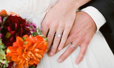 Những ai không được lấy vợ, chồng trong ngành công an?