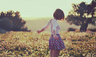 Em đau khổ khi nhận ra anh không bao giờ thuộc về mình