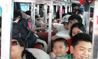 Xe khách 42 chỗ nhồi nhét 111 người: Xử phạt 40 triệu đồng