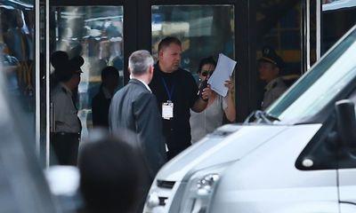 Katy Perry đánh lạc hướng fan Việt ở sân bay Tân Sơn Nhất