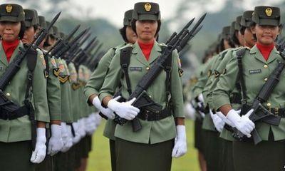 Indonesia: Nữ ứng viên được kiểm tra trinh tiết bằng... hai ngón tay