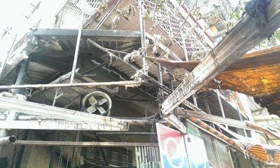 Cháy lớn tại quán phở ở Hà Nội, khách đang ăn bỏ chạy toán loạn