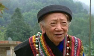 Đám cưới đặc biệt của già làng 92 tuổi với lão bà 83 nhờ tiếng khèn kỳ diệu
