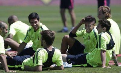 Cầu thủ Barca thoải mái