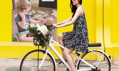 Hà Tăng, Ngọc Trinh, Minh Hằng khoe vóc dáng xinh tươi với váy ngắn