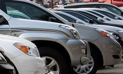 Phí mới với xe ô tô dưới 7 chỗ: Không làm tăng giá xe?