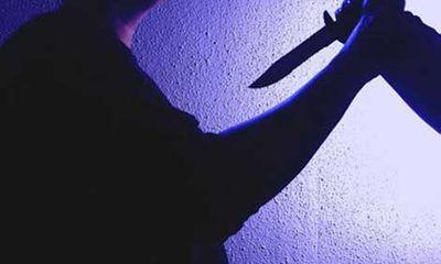 Nữ sinh 16 tuổi đâm người tình của cha để