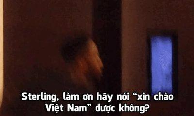 Cầu thủ Man City lạnh lùng, khinh khỉnh với cổ động viên Việt Nam