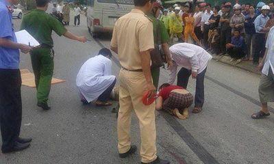 Hiện trường - Từ bệnh viện lao ra đường, một bệnh nhân bị ô tô đâm tử vong