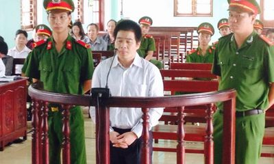 """Xét xử Tàng """"Keangnam"""": Ông trùm ma túy bật khóc"""