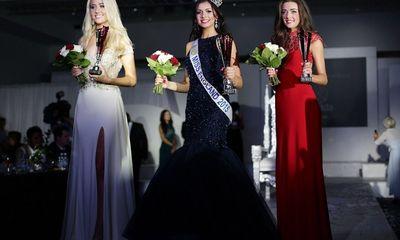 Ngắm Tân Hoa hậu tài sắc vẹn toàn của nước Anh
