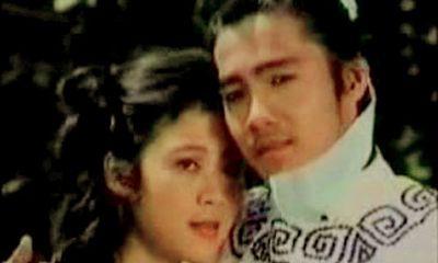 """Chuyện hài hước """"râu ông nọ cắm cằm bà kia"""" sau nụ hôn đầu đời của Lý Hùng"""