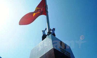 Khánh thành cột cờ chủ quyền Tổ quốc trên đảo tiền tiêu