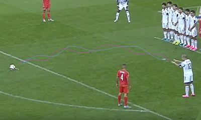 Pha đá phạt của Gareth Bale bị