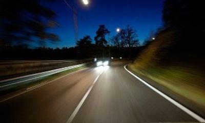 Sử dụng đèn chiếu xa trong thành phố phạt bao nhiêu?
